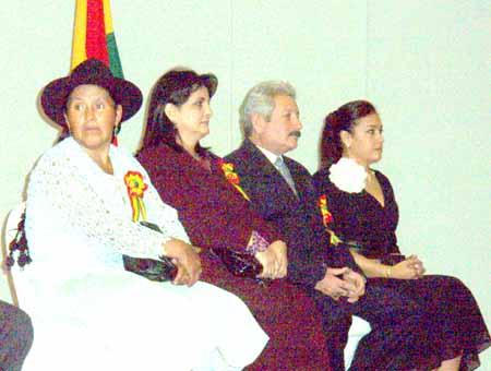 Sabina Cuéllar, esposos Costas, esposa Ortíz