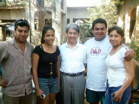 con los Chávez