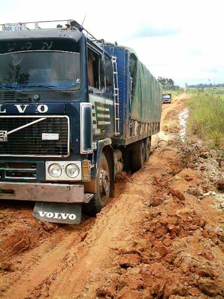desastroso estado de carretera a Cobija