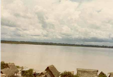 El Río Beni foto tomada arriba del puerto seiler por Chonfi Chávez en Febrero de 1981