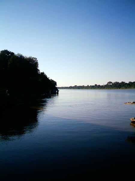 idlico paisaje en el río Beni