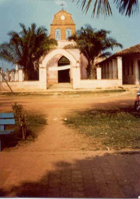 Iglesia nuestra Señora del Carmen foto tomada en 1965 por Judy Herr voluntaria del Cuerpo de Paz