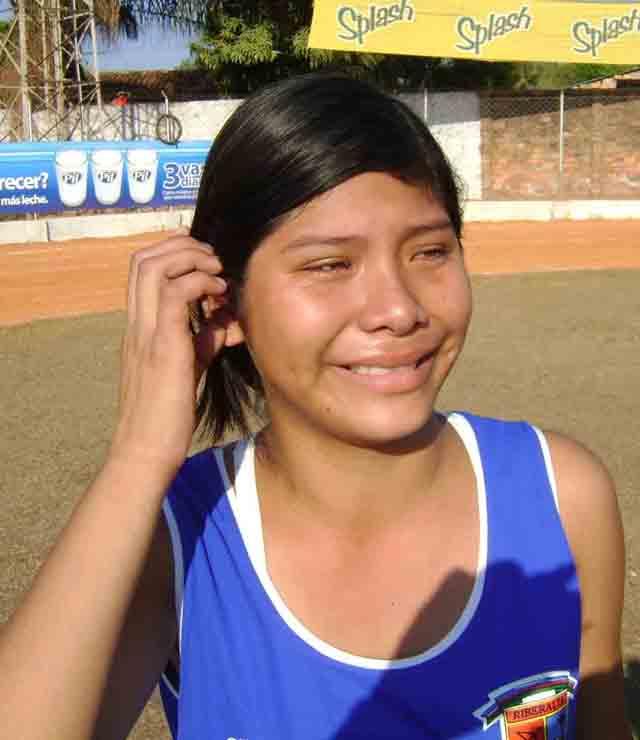 atleta riberalteña llora de emocion al ganar medalla de oro 2 640