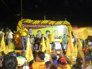 Puesta en marcha de la campaña Manfred- Leo  en Riberalta, con la presencia del prefecto Ernesto Suárez