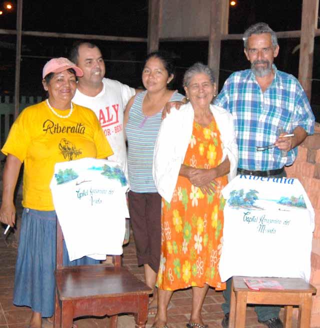 El pintor Roberto Yulow y familiares 2 640
