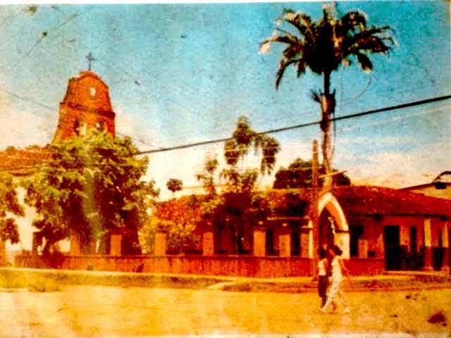 Vista de la catedral de Riberalta (antigua) 640